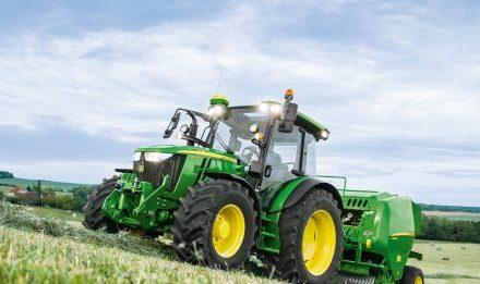 JOHN DEERE UPDATES 5R SERIES TRACTORS FOR 2019